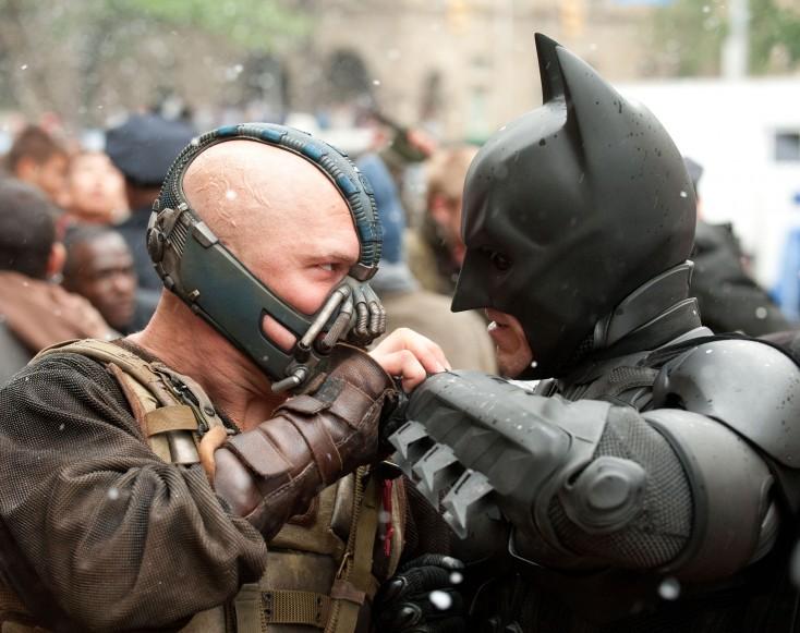 Christian Bale Flies Again With 'Dark Knight Rises' – 3 Photos