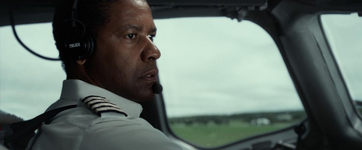 Denzel Washington Was Onboard 'Flight' from Takeoff – 4 Photos