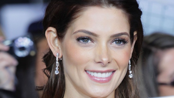 EXCLUSIVE: Ashley Greene Ponders 'Breaking Dawn, Part 2' Finale – 3 Photos