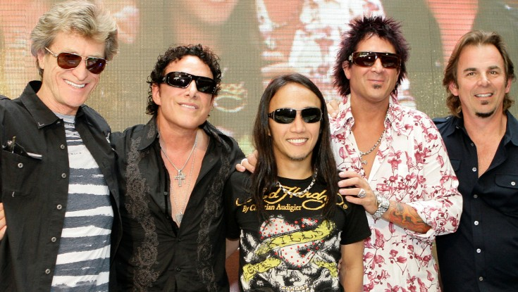 Arnel Pineda Never Stopped Believin' – 4 Photos
