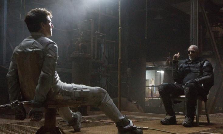 Morgan Freeman Enters 'Oblivion' with Tom Cruise