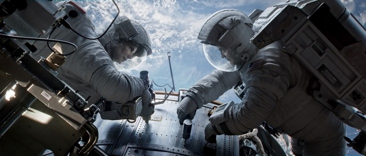 Soaring 'Gravity' Visuals Overcome Lightweight Plot – 3 Photos