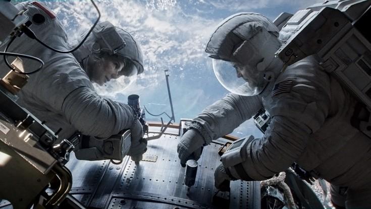 Sandra Bullock Made Space Connection Through Family – 3 Photos