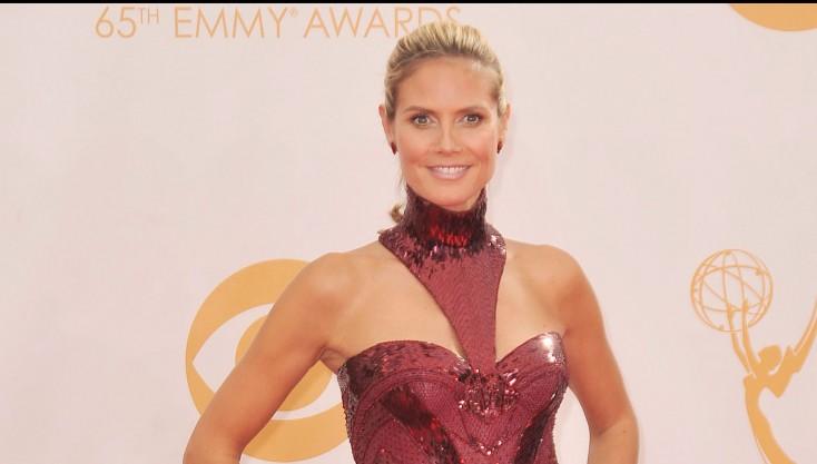 Heidi Klum Talks on 'America's Got Talent' – 3 Photos