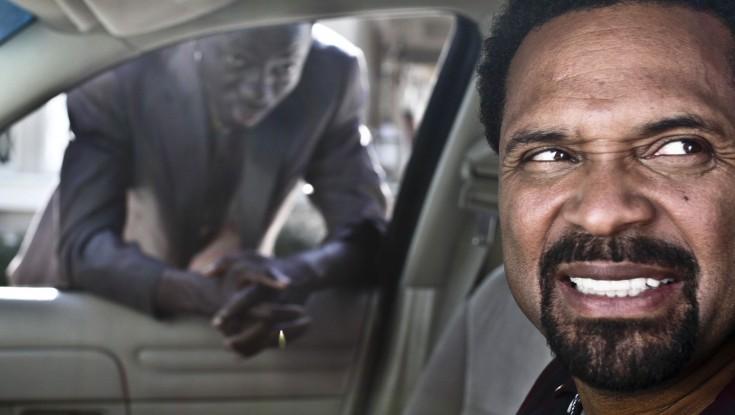 Mike Epps Gets Behind the Wheel of 'Blacks'