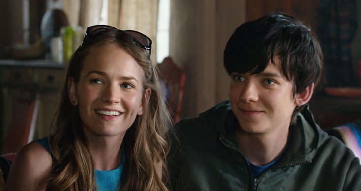 Photos: EXCLUSIVE: Britt Robertson on Loving the Alien in 'Space Between Us'