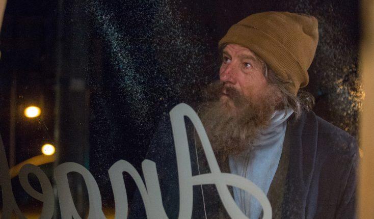 Bryan Cranston Unforgettable as Absentee 'Wakefield'