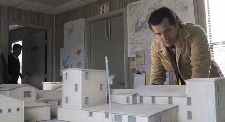 Photos: 'Waco' Miniseries Recalls Tragic Standoff, Premieres on Paramount Network
